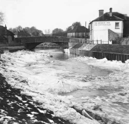 1954 Snow at Beeding Bridge